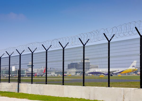 Airport-fencing-thumb-large-image-file072647