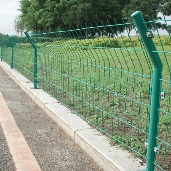 Iron-gates-models-of-bilateral-wire-fence