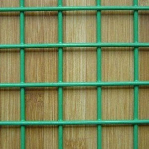 Factory-Supply-Quality-1-2-X-1-2-PVC-Coated-Welded-Wire-Mesh-750×750