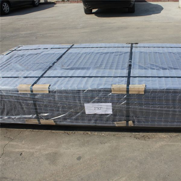Hot-sale-black-welded-wire-fence-mesh (5)